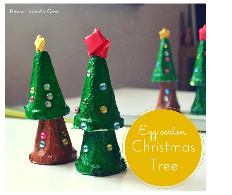 Albero Di Natale Semplice Con Il Cartone Delle Uova