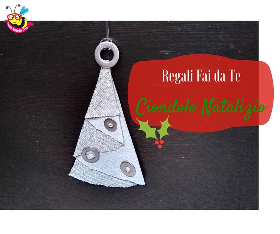 ciondolo in stoffa a forma di albero di Natale origami semplice