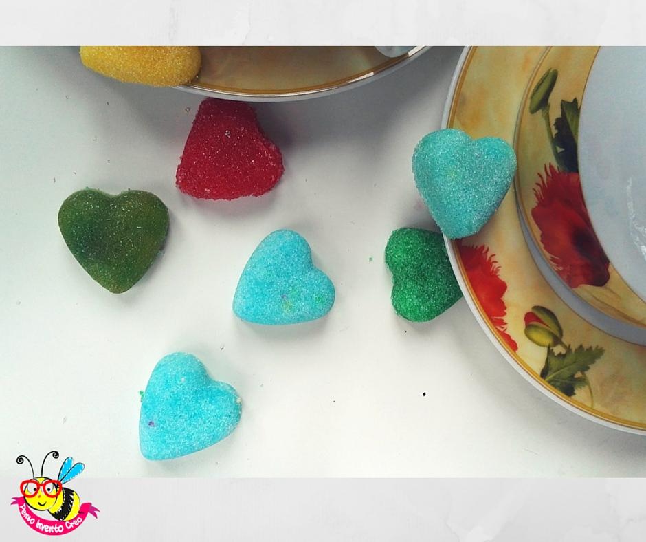 zollette di zucchero a forma di cuore fatte in casa