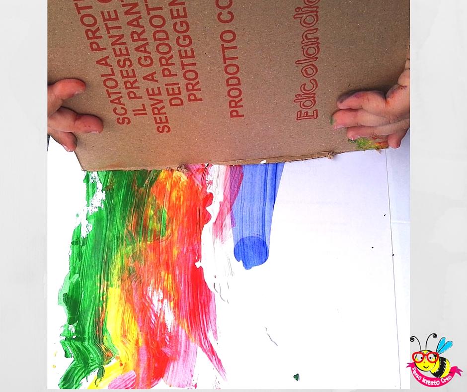 trascinare il cartone sul folio e strisciare la tempera