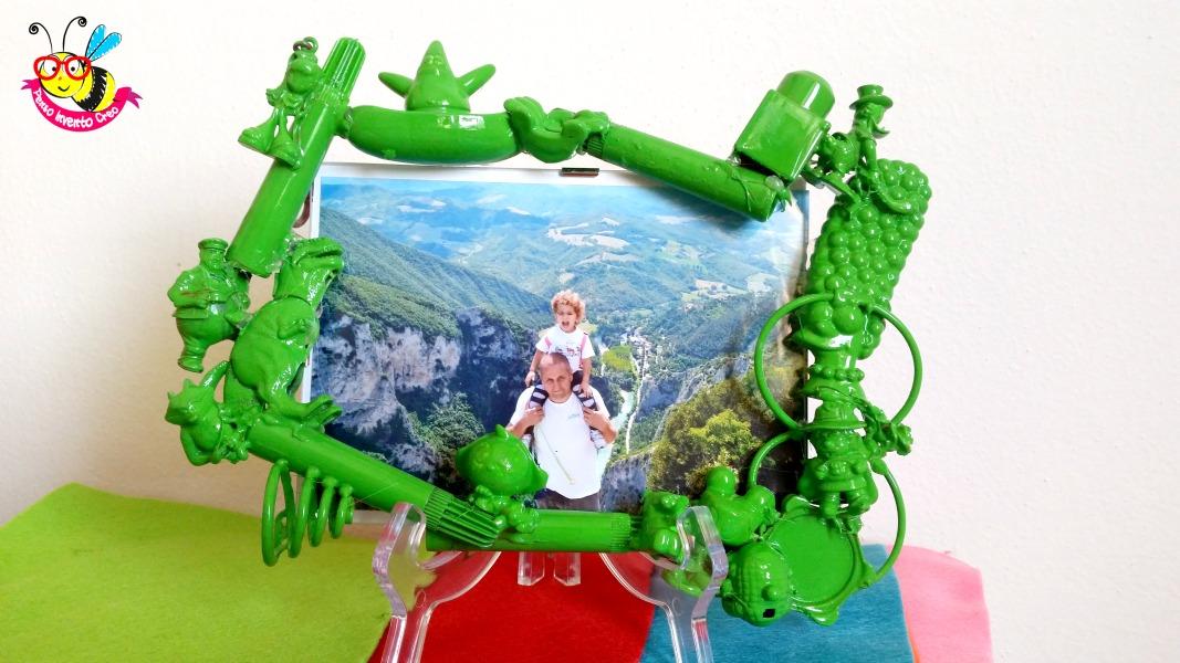 cornice verde in plastica