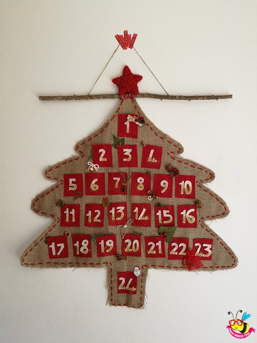 Calendario dell'Avvento con juta e feltro