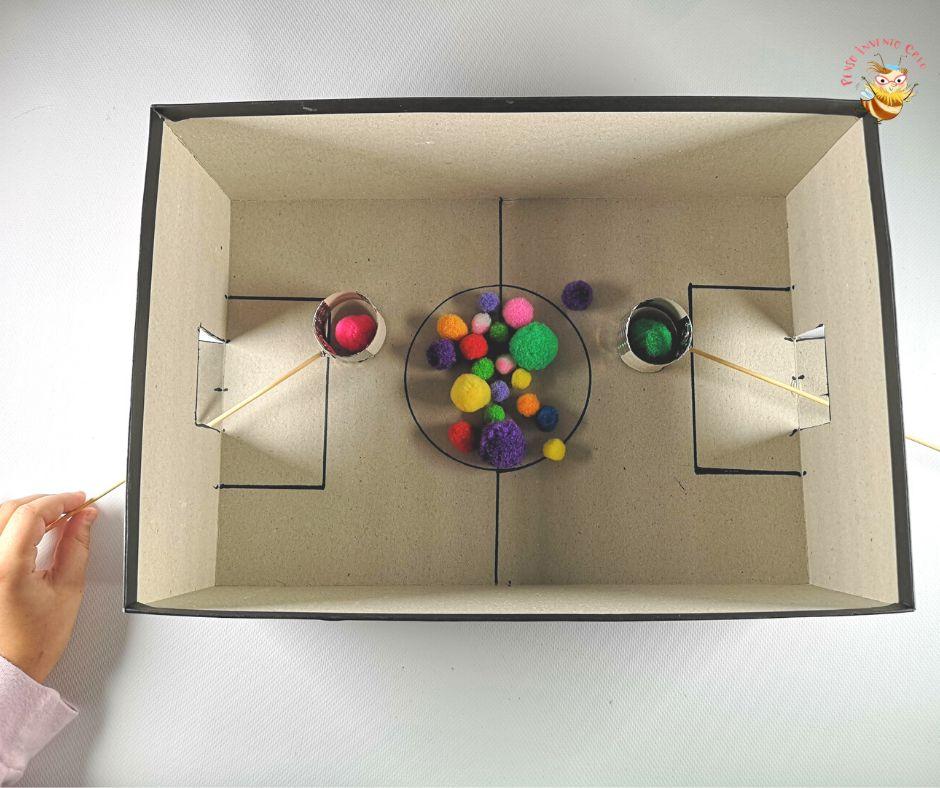 giochi scatola di cartone_ calcetto